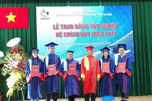 546 sinh viên Trường CĐ Sư phạm Trung ương TPHCM nhận bằng tốt nghiệp