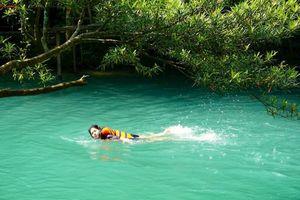 Suối Moọc, Quảng Bình: Đắm mình trong làn nước mát chỉ 20 độ C