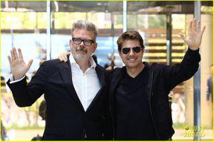 Ngoài 50, Tom Cruise vẫn khiến fan nữ mê mệt bởi vẻ ngoài lịch lãm