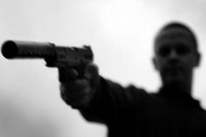 Hà Nội: Dùng súng dọa giết người khác vì không đòi được nợ