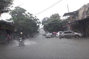 Thành phố Hà Tĩnh mưa lớn gây ngập nhiều nơi