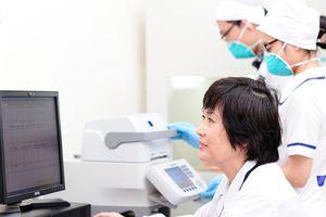 Từ những thủ đoạn nhằm che giấu bí mật huyết thống đến cuộc đấu trí 'cân não' ở Trung tâm phân tích ADN và Công nghệ di truyền