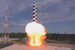 Bộ Quốc phòng Nga công bố một loạt các vụ thử vũ khí siêu hiện đại