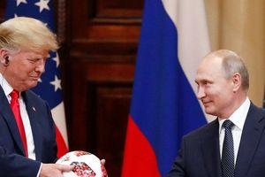 Lý do ông Trump tiếp tục đảo ngược tuyên bố ở thượng đỉnh Nga-Mỹ và ra đòn phản công
