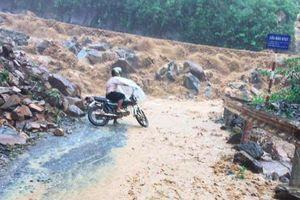 Lũ cuồn cuộn đổ về, ít nhất 23 người chết và mất tích ở Yên Bái