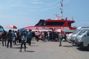 Hàng ngàn khách du lịch mắc kẹt ở Phú Quốc được 'giải cứu'