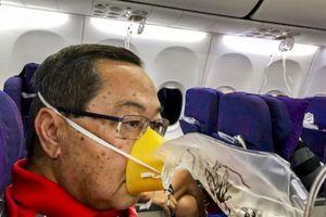 Hành khách kể lại khoảnh khắc máy bay Trung Quốc rơi tự do 7.600 m