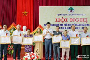 Nghệ An: Tuyên dương 119 người cao tuổi sản xuất kinh doanh giỏi