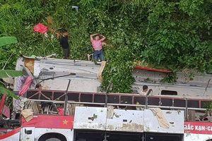 9 người thương vong sau khi xe khách rơi xuống vực ở Cao Bằng