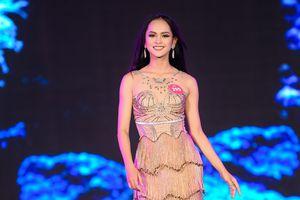 Thí sinh Chung khảo Hoa hậu Việt Nam lộng lẫy trong trang phục dạ hội