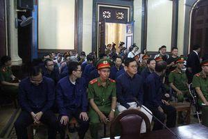 Ông Trần Bắc Hà lại đi chữa bệnh ở nước ngoài khi tòa xử