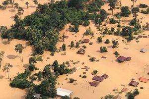 Clip: Biển nước đục ngầu ở Lào sau vụ vỡ đập lớn