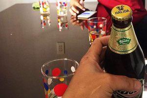 Phát hiện chai bia Huda bị 'đóng nhầm' nắp Halida