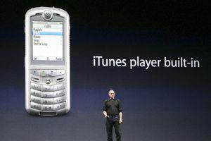 Không phải iPhone, đây mới là chiếc điện thoại đầu tiên của Apple và nó sẽ làm bạn bất ngờ