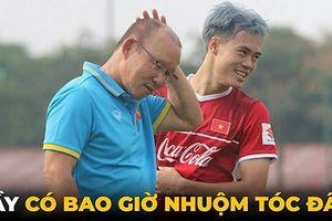 Biếm họa 24h: HLV Park Hang Seo ngỡ ngàng vì mái tóc của Văn Toàn