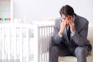 Đàn ông cũng trầm cảm sau khi lên chức... bố