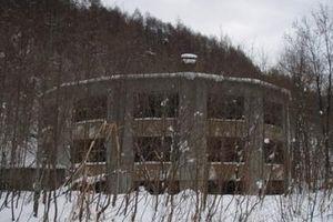 Bí ẩn rùng mình về 'ngôi trường tròn' bỏ hoang nổi tiếng nhất Nhật Bản