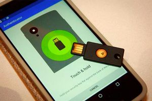 Hơn 85.000 nhân viên Google chống hack tài khoản bằng một thiết bị 'rẻ bèo' không ai ngờ