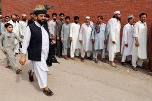 IS đánh bom liều chết trong ngày bầu cử Pakistan, 59 người thương vong