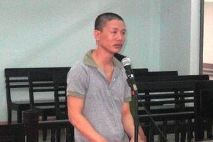 Thanh niên 24 tuổi hiếp dâm cụ bà 70 tuổi, bị bắt tại trận