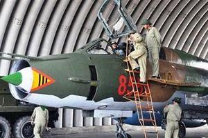 Rơi SU-22 ở Nghệ An: Phi công dày dạn tránh nhà dân