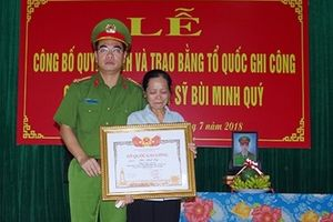 Trao bằng Tổ quốc ghi công cho Liệt sỹ Bùi Minh Quý