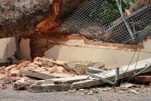 Thanh Hóa: Sập tường rào, 4 người thương vong