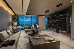 Siêu xe triệu đô thành… tường phòng khách