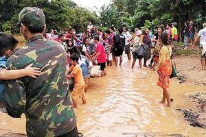 Công ty Việt tại Lào nỗ lực trợ giúp các nạn nhân vụ vỡ đập ở Apatteu