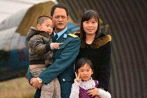 Thân nhân phi công Su-22 bị rơi ở Nghệ An: Anh Trí học giỏi, luôn đứng trong tốp đầu của khóa học