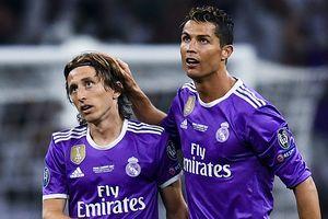 Gạt Ronaldo, CĐV chọn Luka Modric giành 'The Best'