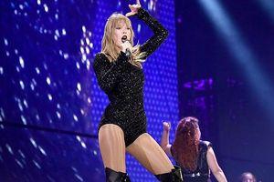 Taylor Swift gợi cảm với đầm ôm sát tại Reputation Stadium Tour