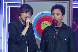 Làm MC cùng Trấn Thành, Hari Won vẫn mê trai bất chấp