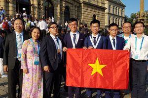 Các thí sinh Olympic Việt Nam tiếp tục đoạt thành tích cao trên trường quốc tế