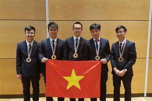 Việt Nam đoạt 2 Huy chương Vàng tại Olympic Vật lý quốc tế 2018