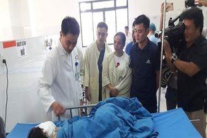 Bác sĩ chạy đua cứu chữa 4 nạn nhân bị nạn ở Quảng Nam