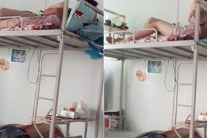 Nữ sinh dẫn bạn trai về ký túc xá thân mật khiến bạn cùng phòng 'đỏ mặt'