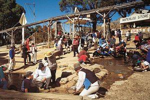 Khám phá thị trấn đào vàng ở Úc từng khiến vạn người phát cuồng