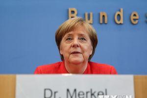 Tỷ lệ ủng hộ liên đảng của Thủ tướng Merkel giảm xuống mức thấp nhất