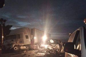 Nóng: Tai nạn khi đi rước dâu, 13 người tử vong