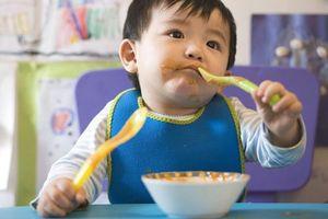 Nêm bao nhiêu muối là vừa trong thức ăn của trẻ