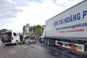Hiện trường vụ xe đi rước dâu bị tai nạn thảm khốc, 13 người tử vong