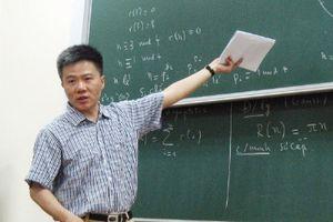 GS Ngô Bảo Châu giới thiệu tủ sách mới và trò chuyện về sách toán