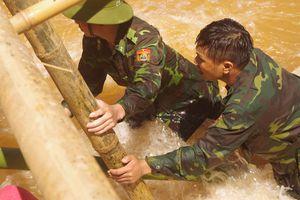 BĐBP Nghệ An tích cực bám địa bàn giúp dân khắc phục hậu quả mưa lũ