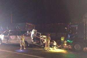 Tai nạn liên hoàn giữa 4 xe trên QL1, 1 người chết, 11 người bị thương