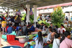 Tỉnh Attapeu xây dựng 2 vùng tạm cư cho dân bị nạn vụ vỡ đập