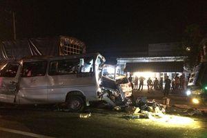 Xe khách 16 chỗ bị tông nát trên QL 1 làm 1 người chết tại chỗ