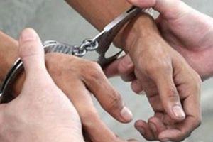 Tạm giữ đối tượng trong nhóm xưng danh phóng viên tống tiền CSGT