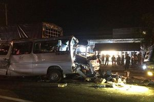 Tai nạn liên hoàn lúc rạng sáng, 12 người thương vong
