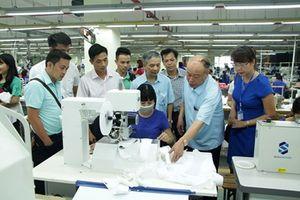 Hội Nhà báo Thái Nguyên tổ chức cho gần 30 hội viên đi thực tế